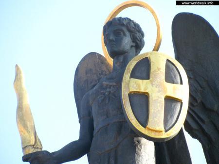 Фото: Памятник архангелу Михаилу, памятник архистратигу Михаилу