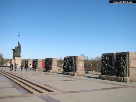 Фото: Мемориал Славы советским войнам, партизанам и подпольщикам