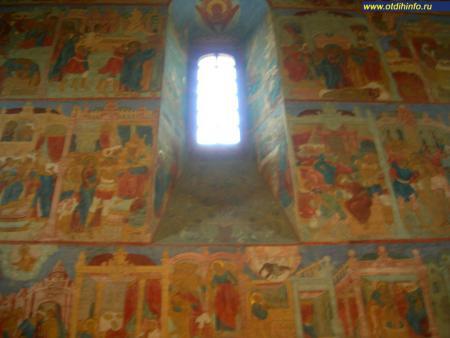 Фото: Свято-Троицкий Ипатьевский монастырь (Кострома)