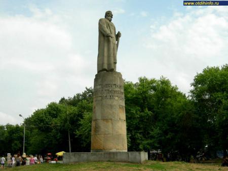 Фото: Памятник Ивану Сусанину (Кострома)