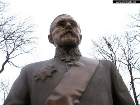 Фото: Памятник Н. А. Терещенко
