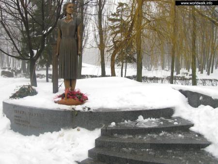 Фото: Памятник Т. И. Маркус