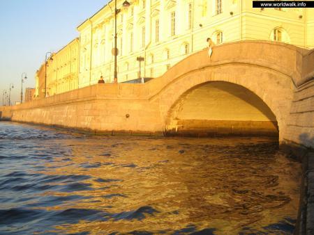 Фото: Эрмитажный мост