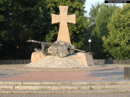 Фото: Памятник казакам, погибшим в Полтавской битве