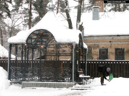 Фото: Церковь Серафима Саровского в Пуще-Водице
