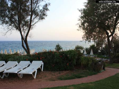 Фото: Grecian Sands Hotel, отель Гришн Сэндс