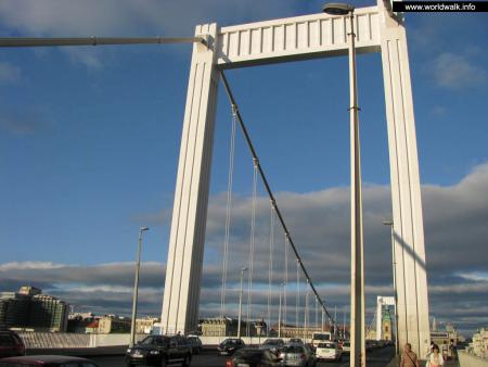 Фото: Мост Эржебет