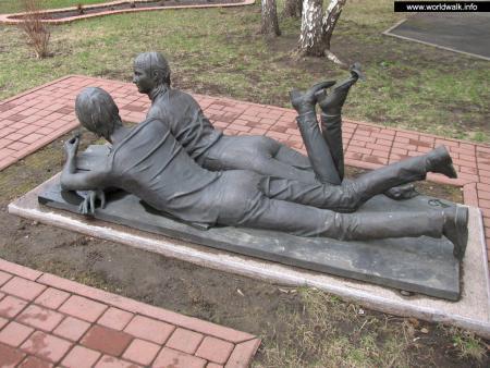 Фото: Памятник студентам