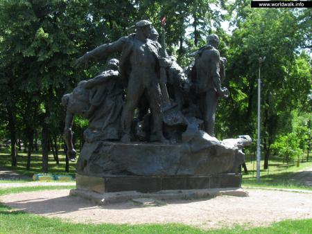 Фото: Памятник экипажу бронепоезда «Таращанец»