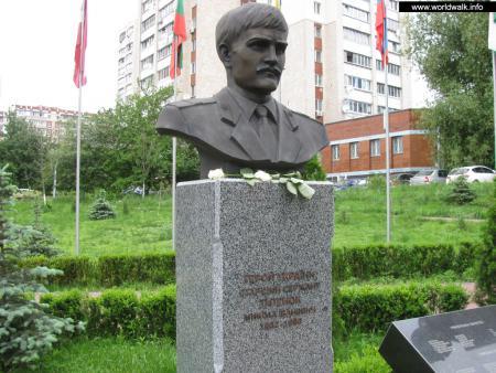 Фото: Аллея Героев Чернобыля