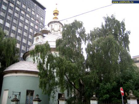 Фото: Церковь Космы и Дамиана на Маросейке