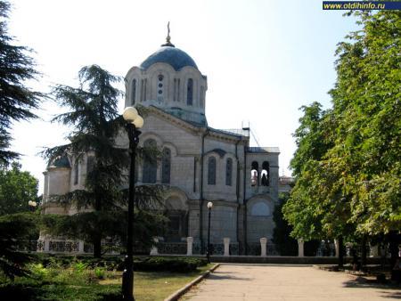 Фото: Владимирский собор, усыпальница адмиралов (Севастополь)