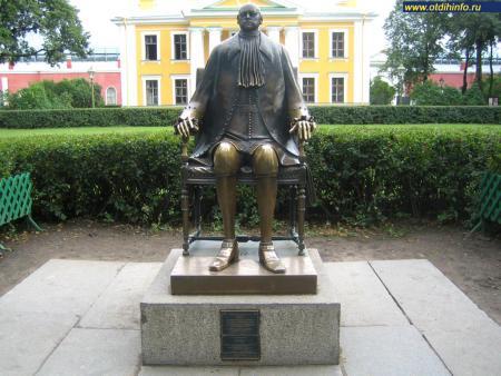 Фото: Памятник Петру I
