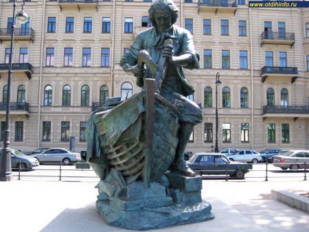 Фото: Памятник Петру I на Адмиралтейской набережной «Царь-плотник», Санкт-Петербург