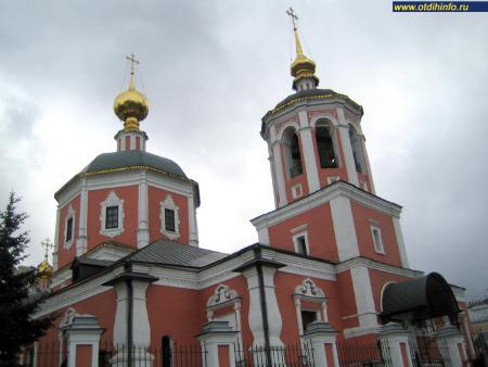 Фото: Церковь Троицы Живоначальной в Троицкой слободе, подворье Свято-Троицкой Сергиевой Лавры