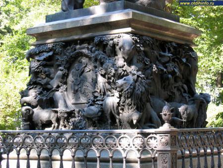 Фото: Памятник И.А. Крылову