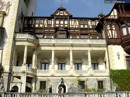 Фото: Замок Пелеш