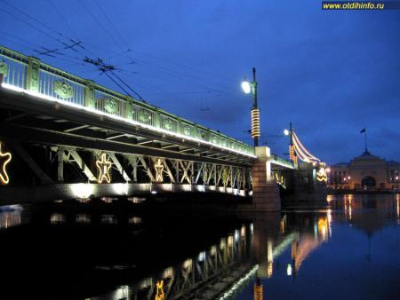 Фото: Дворцовый мост