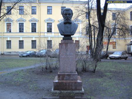 Фото: Памятник М.П. Мусоргскому