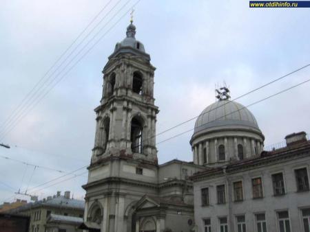 Фото: Церковь святой Екатерины на Съездовской линии