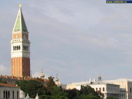 Фото: Кампанила (колокольня) на площади Сан-Марко