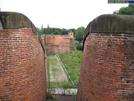 Фото: Крепость Фортецца да Бассо