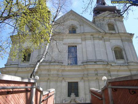 Фото: Церковь Архангела Михаила, Костел Кармелитов босых
