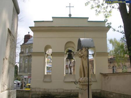 Фото: Костел Святого Антония