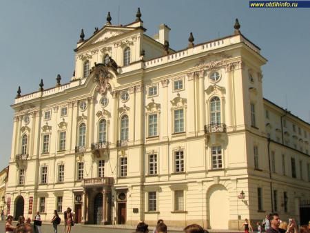 Фото: Архиепископский дворец