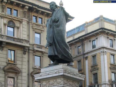 Фото: Памятник Джузеппе Парини