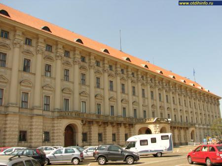 Фото: Чернинский дворец