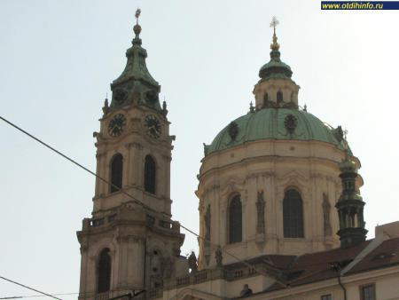Фото: Костел Святого Николая на Малой Стране