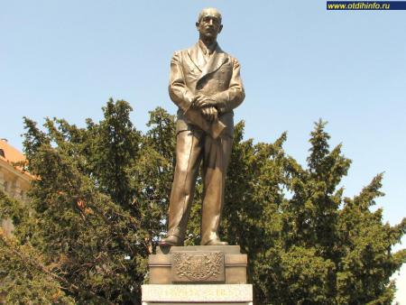 Фото: Памятник Эдварду Бенешу