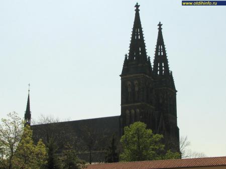 Фото: Костел святых Петра и Павла