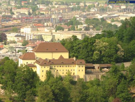 Фото: Монастырь ордена Капуцинов на горе Капуцинерберг