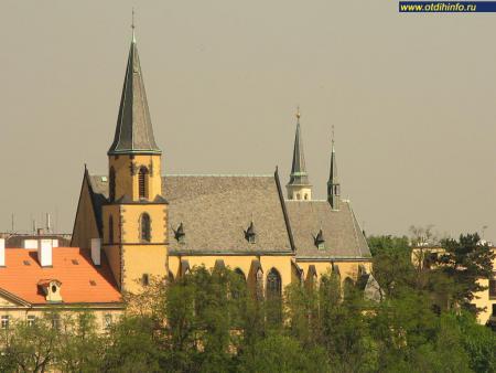 Фото: Костел Святого Аполлинария
