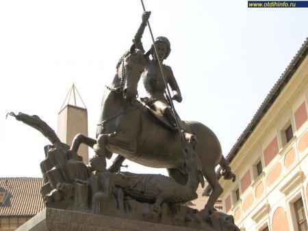 Фото: Памятник Георгию Победоносцу