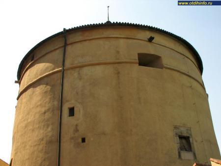 Фото: Пороховая башня Мигулка