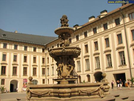 Фото: Новый королевский дворец