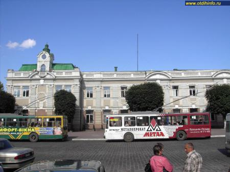 Фото: Железнодорожный вокзал Ивано-Франковска