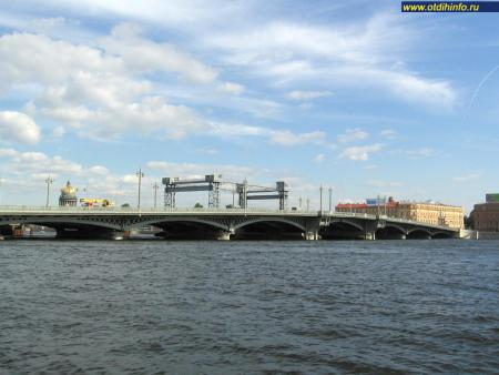 Фото: Мост Лейтенанта Шмидта
