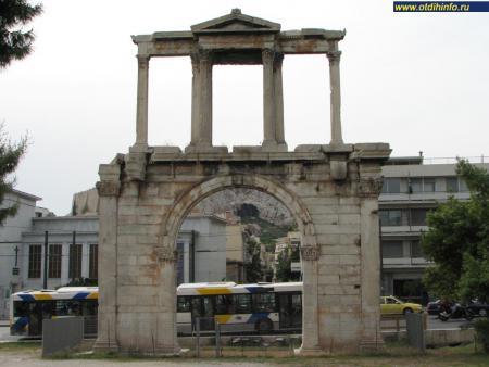Фото: Триумфальная арка Адриана