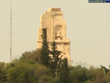 Фото: Памятник Филопаппу, гробница Филопаппа