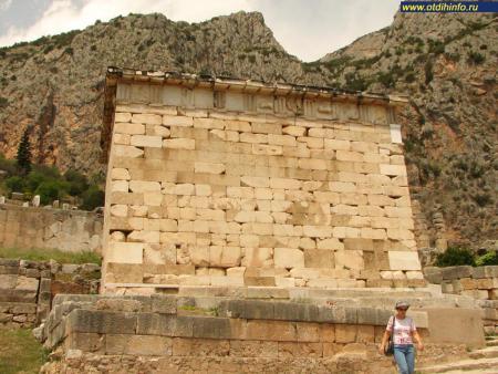 Фото: Сокровищница афинян