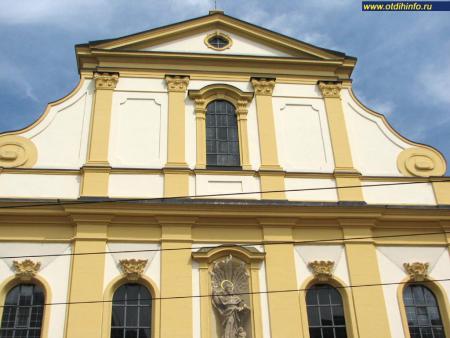 Фото: Монастырь августинцев, церковь августинцев