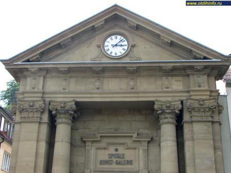 Фото: Галерея Шпителе, бывшая церковь Шпителе