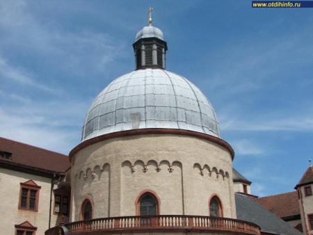 Фото: Церковь Святой Марии в крепости Мариенберг