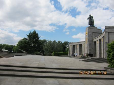 Фото: Тиргартен. <br />Автор фото: Голвко Петр Памятник Советским воинам.